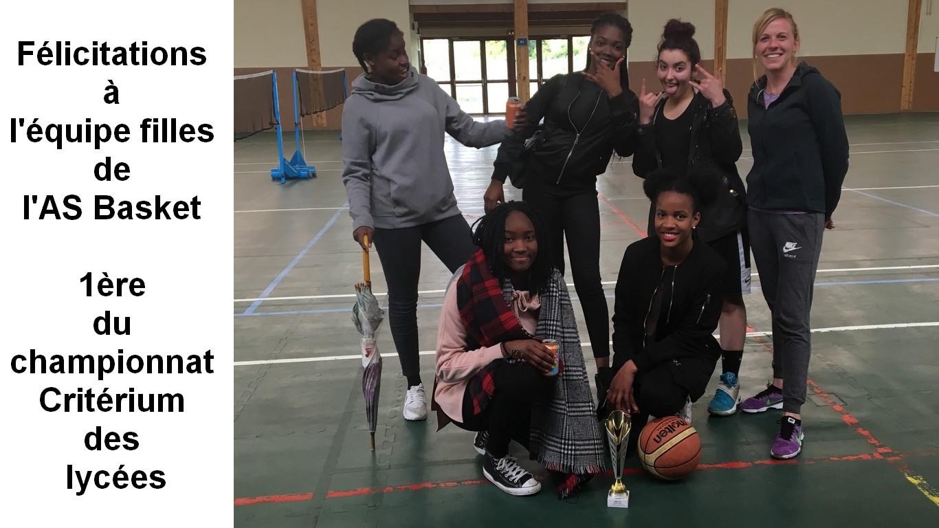 L'équipe filles de l'AS Basket, 1ère du championnat Critérium des lycées